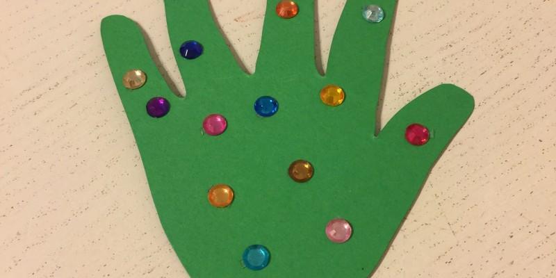 Albero di Natale con le manine